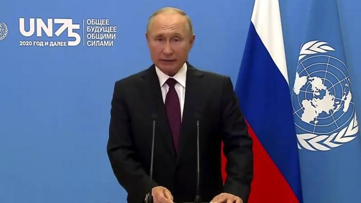 SCREENSHOT - Wladimir Putin, Präsident von Russland, spricht während einer vorab aufgezeichneten Videobotschaft anlässlich des Beginns der Generaldebatte der 75. UN-Vollversammlung. Aufgrund der Corona-Pandemie findet die Debatte in diesem Jahr größtenteils online statt. Foto: Uncredited/UNTV/dpa - ACHTUNG: Nur zur redaktionellen Verwendung im Zusammenhang mit der aktuellen Berichterstattung und nur mit vollständiger Nennung des vorstehenden Credits