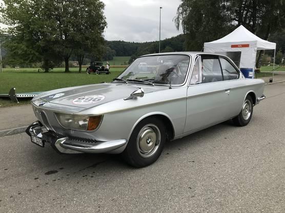 Über 300 Fahrzeuge kamen zur 1. Lägern Classic nach Würenlos