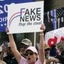 Eine Unterstützerin von US-Präsident Trump während einer Kundgebung in Texas. Foto: Lm Otero/AP/dpa