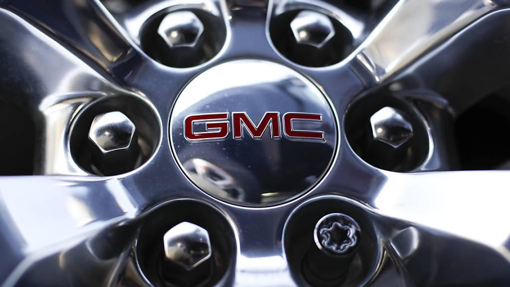 GM hat grosse Pläne: Das Unternehmen will seinen mächtigen Konkurrenten Tesla im Bereich der Elektroautos ausstechen. (Symbolbild)