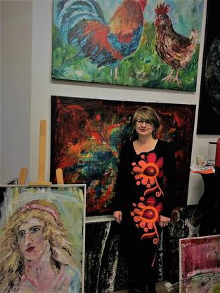 Die Künstlerin Jeannette Hasler-Gobbi  (jhago) in der Galerie
