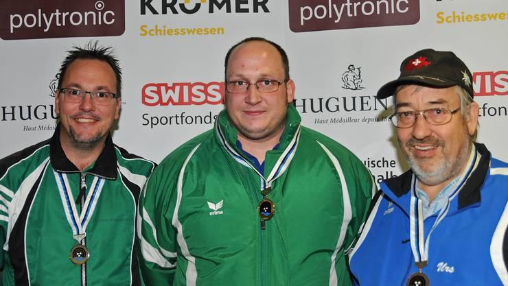 Die drei besten Schützen bei den Ordonnanzwaffen: (von links) Sascha Wicki (Villigen/2.), Walter Schumacher (Villnachern/1.) und Urs Berner (Villigen/3.).