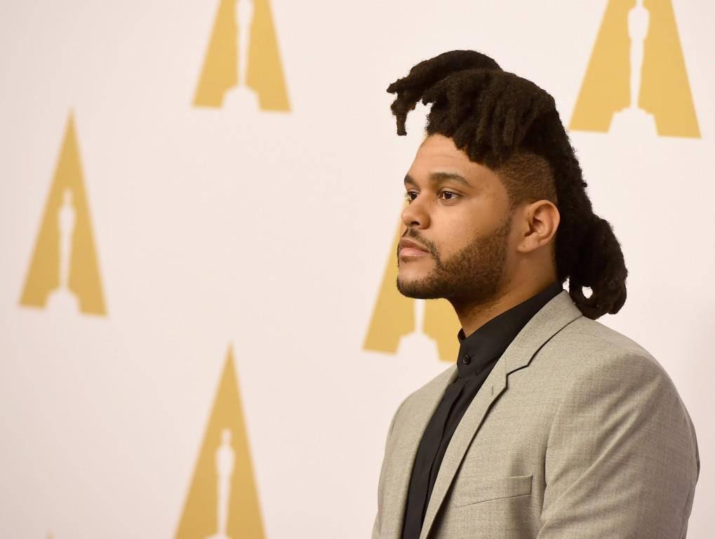 ...The Weeknd. Den Grammy für die beste Frisur hat er schon. (© Getty Images)
