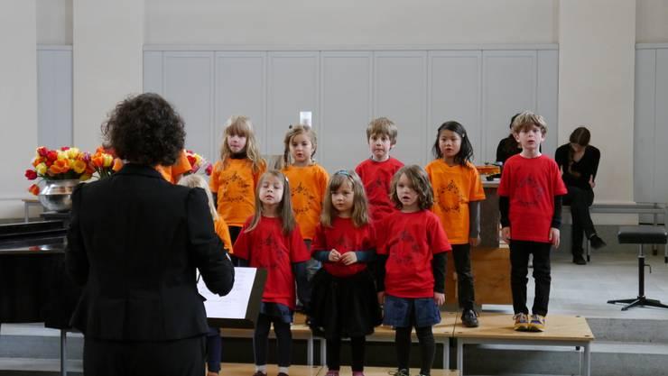 Die Midi-Singkinder unter der Leitung von Tabea Herzog