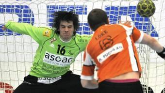 Wacker-Hüter Marc Winkler wehrte 5 Sekunden vor Schluss Penalty ab.