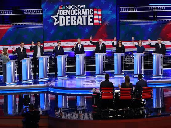 Die zweite TV-Debatte der demokratischen Präsidentschaftsbewerber fand in der Nacht auf Freitag statt.
