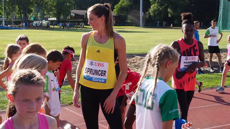 Léa Sprunger sorgte in Aarau 2017 für grosse Kinderaugen. In diesem Jahr dürfen die Kinder mit anderen Stars trainieren.