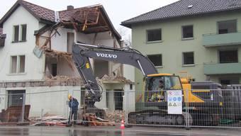 Abbruch des bekannten Restaurants Zürcherhof und des benachbarten Wohnblocks