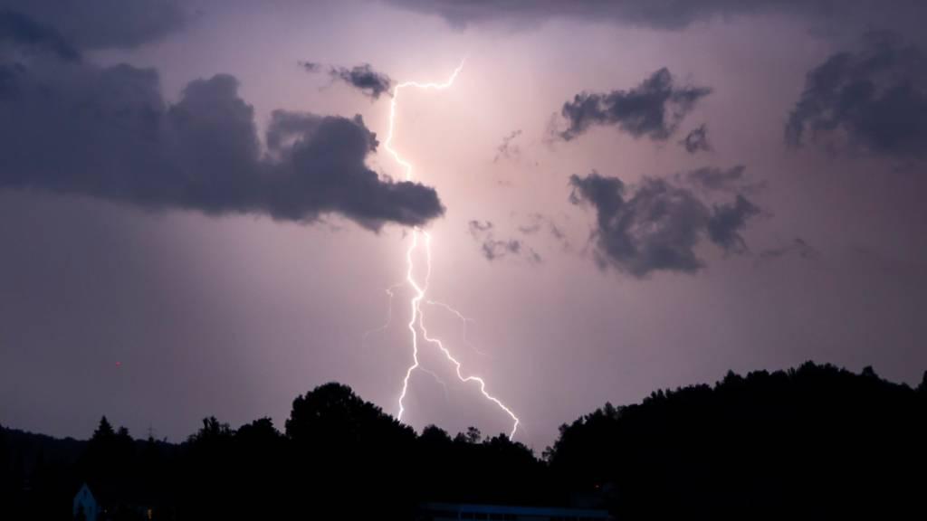 Kräftige Gewitter und 25'000 Blitze über der Schweiz