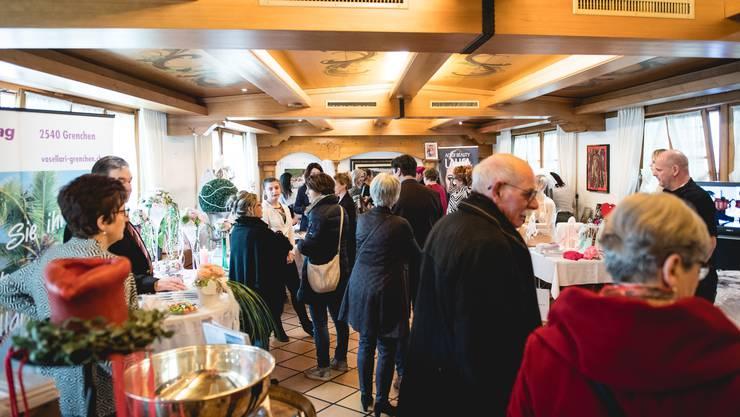 Blumen, Brautkleider und Besteck: 14 Aussteller zeigten an der zweiten Hochzeitsmesse im Grenchnerhof ihr Angebot für die Traumhochzeit.