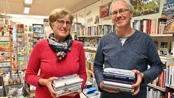 Buchhandlung am Klosterplatz Olten - Geschäftsleitung Anita und Christian Meyer. Nach 25 Jahren zieht die Buchhandlung im nächsten Februar an den Munzingerplatz 4 um (Ex Leder Zimmermann).