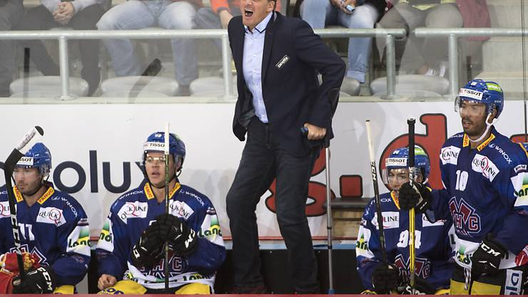 Biels Headcoach Kevin Schläpfer gewohnt emotional in der Partie gegen Ambri-Piotta