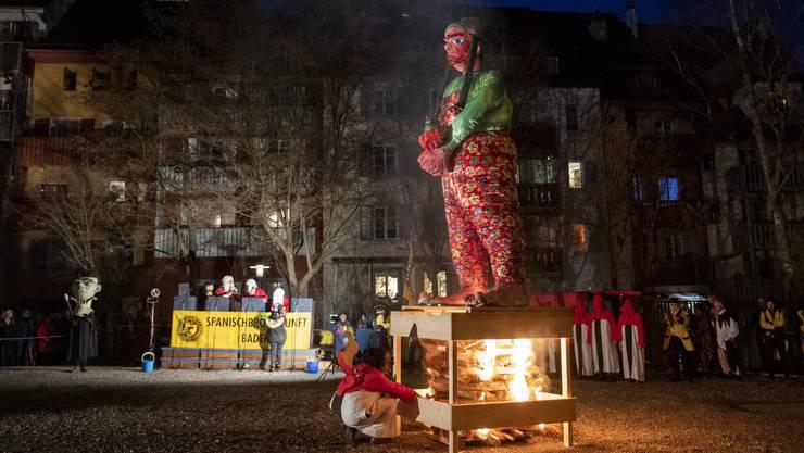 Dem Füdlibürger wird in Baden der Prozess gemacht. Klicken Sie sich durch die besten Aargauer Fasnachts-Bilder vom Schmutzigen Donnerstag.