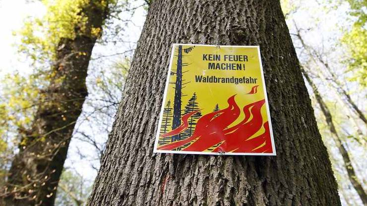 Feuern im Wald ist im Aargau weiterhin verboten. Es gilt auch weiterhin: