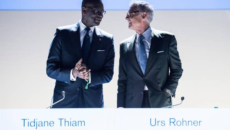 An einer Geburtstagsfeier von CS-Präsident Urs Rohner (r.) soll sich Tidjane Thiam (l.) über rassistische Darstellungen geärgert haben.