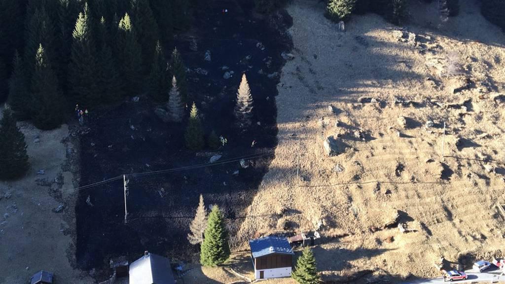 Ein Flurbrand in Rossa erforderte den Einsatz von zwei Löschhelikoptern.