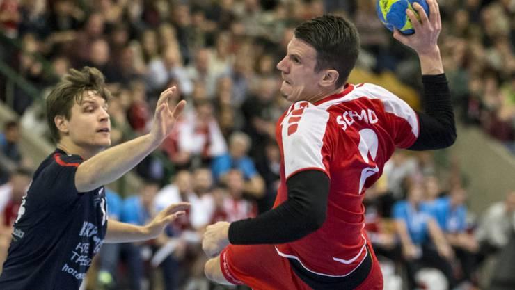 Die Schweiz (am Ball Nationalspieler Andy Schmid) will im nächsten Jahrzehnt Co-Gastgeber einer EM-Endrunde sein