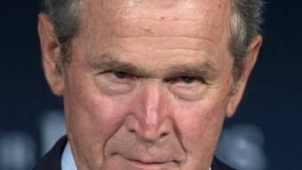 """George W. """"Dubya"""" Bush gestern bei seiner Rede vor Veteranen in Washington."""