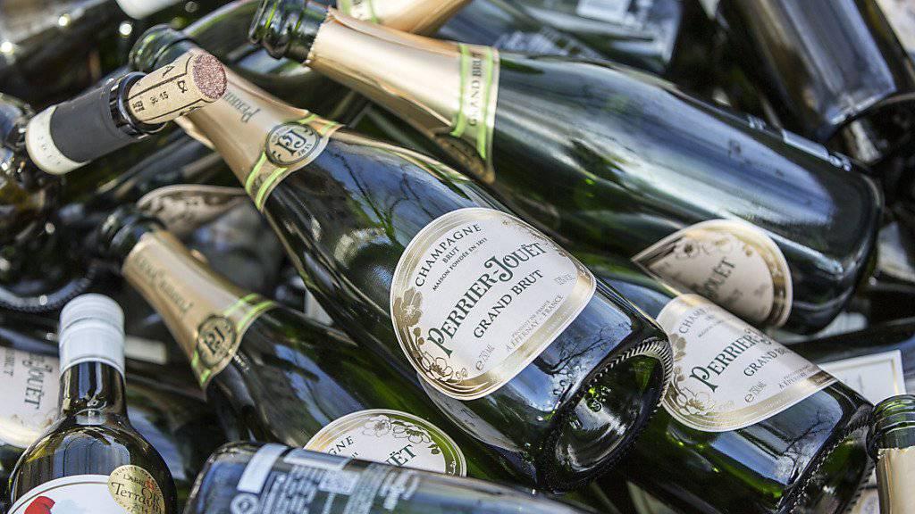 Ein Dieb in Australien setzt sich mit einer Flasche Champagner selber ausser Gefecht. (Symbolbild)