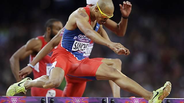 Felix Sanchez zum zweiten Mal Olympiasieger über 400 m Hürden.