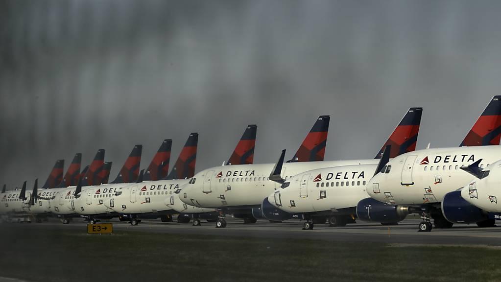 Die Fluggesellschaften lassen sich wegen des Coronavirus was einfallen: Delta Air bietet - mithilfe von mehreren Coronatests - Flüge von Atlanta nach Rom ohne Quarantäne-Pflicht. (Archivbild)