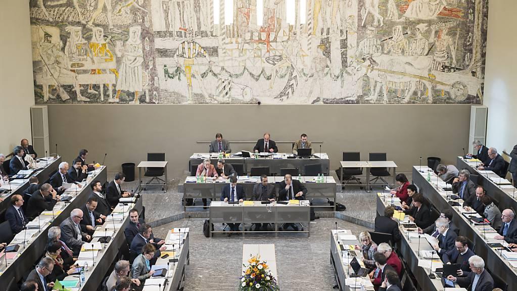 Zu welchen Sitzverschiebungen es im Bündner Kantonsparlament mit dem Wechsel zum Prozporz kommen wird, ist schwer vorauszusagen. (Archivbild)
