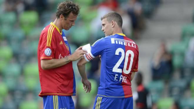 Schon öfter hat Fabian Frei (rechts) Marco Streller als FCB-Captain vertreten – jetzt muss er für sich herausfinden, ob er die Binde dauerhaft will. Foto: freshfocus