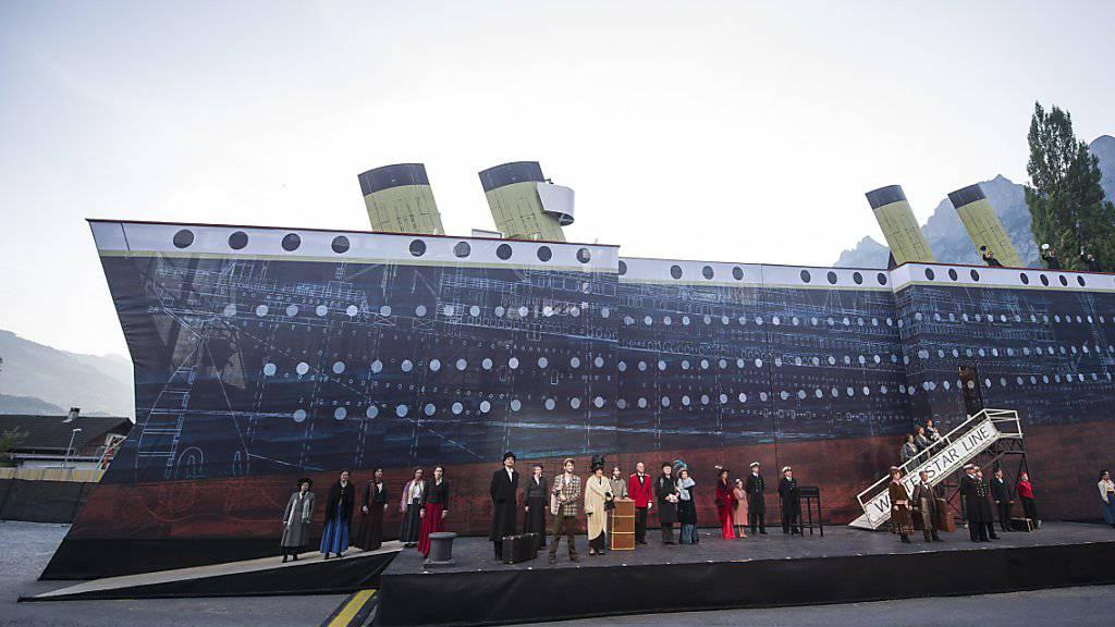 Titanic sticht auf dem Lago di Lugano in See