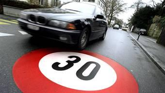 Tempo 30 wird nun in Neuenhof umgesetzt. (Symbolbild)