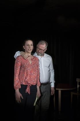 Monika Varga und Krishan Krone spielen Dragica Rajčićs Stück «Glück».