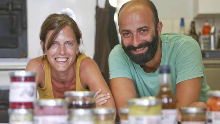 Petra Körner und Matteo Leoni kämpfen mit ihren Produkten gegen die Lebensmittelverschwendung an.
