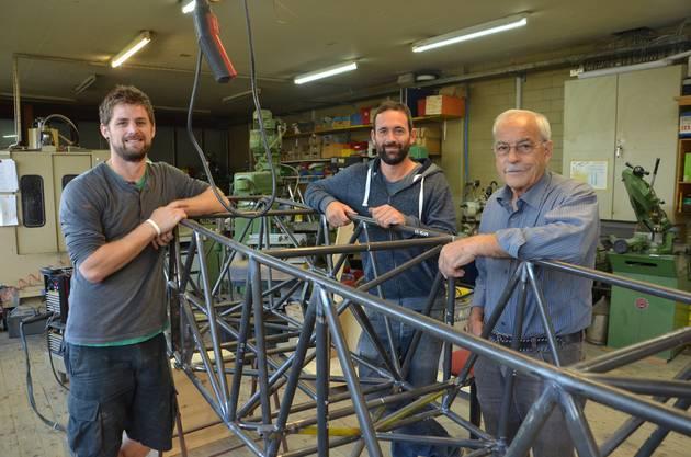 Sie bauen die Votec 221 in Wohlen AG (V. l.) Luft- und Raumfahrtingenieur Jakob Straub, Flugzeugtechniker Florian Gygax und Max Vogelsang, Gründer von MSW Aviation.