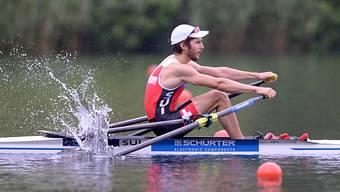 Michael Schmid mit Start-Ziel-Sieg im WM-Halbfinal