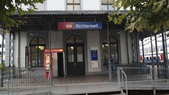 Der Unfall ereignete sich beim Bahnhof von Richterswil ZH.