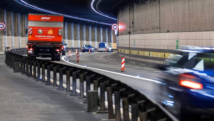 Mit der Preiserhöhung bei der Autobahnvignette sollen die Kosten für die Erweiterung des Nationalstrassennetzes gedeckt werden. Keystone
