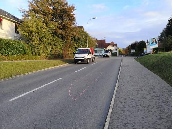 An der Gemeindegrenze zu Lenzburg soll eine Insel mit Tempo-30-Tafel gebaut werden.