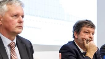 Finanzdirektor Roland Heim (rechts) schützt Ex-Steueramtschef Marcel Gehrig, wenn es um die Auflösungsvereinbarung geht.
