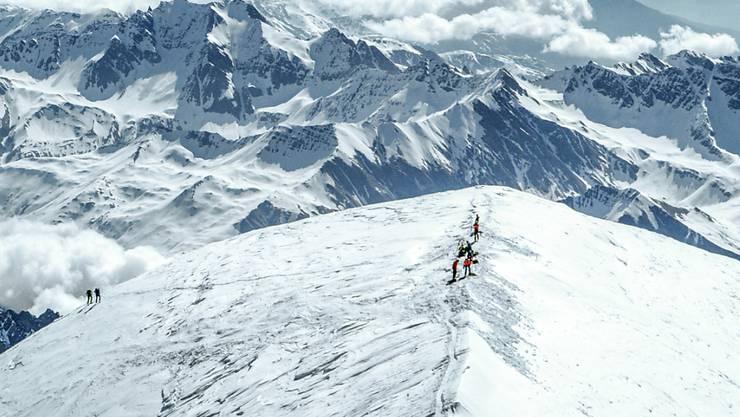 Mit rund 4800 Metern der höchste Berg der Alpen: Der Mont Blanc an der französisch-italienischen Grenze. (Archivbild)