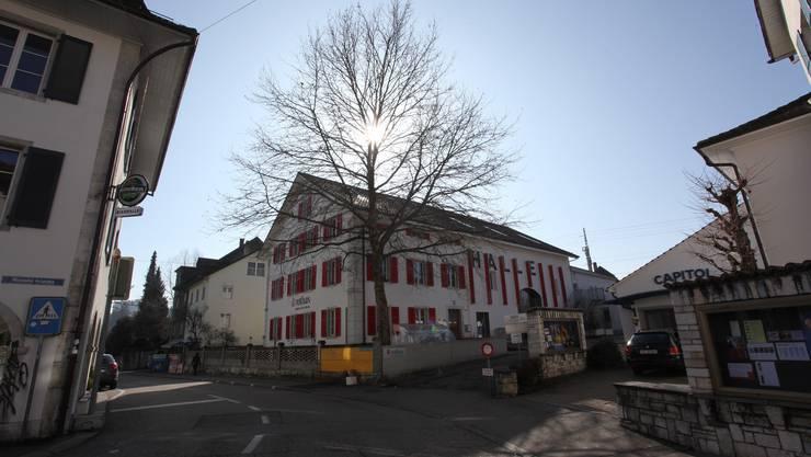 Noch steht der Baum beim Rothus in Solothurn.