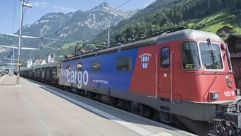 SBB Cargo bedient gegenwärtig noch 344 Bedienpunkte in der ganzen Schweiz, im Kanton Zürich sind es 40. Doch nun muss das Unternehmen sparen: Werden nun mehr Lastwagen auf der Strasse verkehren?