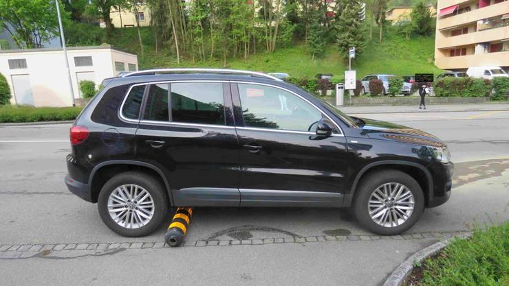 Mit diesem Auto kollidierte eine 35-jährige Frau aus dem Kanton Zürich in Spreitenbach mit einer Fussgängerinsel.