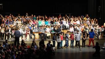 Hunderte Stimmen erklingen gemeinsam am Weihnachtssingen