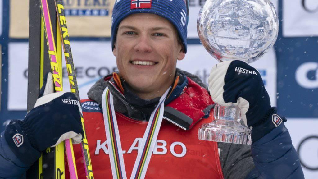 Nach der Kristallkugel für die Sprint-Wertung dürfte Klaebo am Sonntag auch die grosse Kristallkugel für den Gesamtweltcup in die Höhe stemmen.