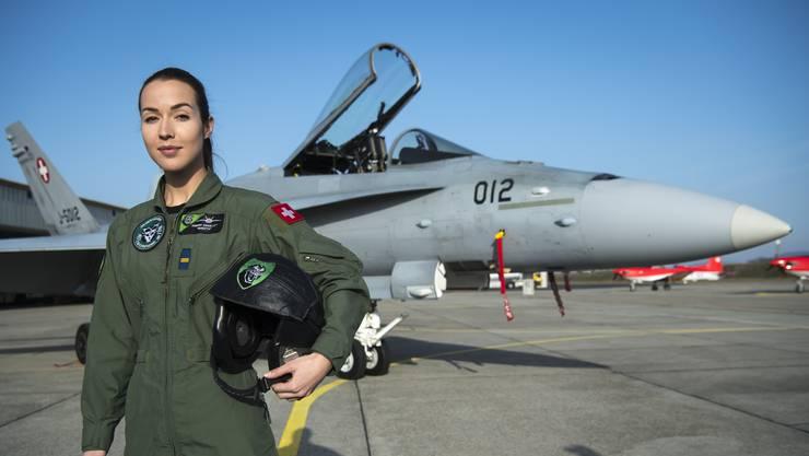 Der Entscheid für ihren Traumberuf fiel in den Frankreich-Ferien Kampfjetpilotin Fanny «Shotty» Chollet.