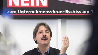 Paul Rechsteiner und sein Gewerkschaftsbund können auch mit der Neuauflage der Steuerreform wenig anfangen. Sie drohen bereits mit den Referendum. (Archiv)