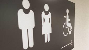 Männer sollen am Flughafen Zürich keine Frauen-Toiletten reinigen. (Symbolbild)