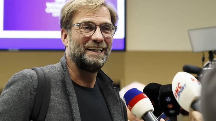 Für Jürgen Klopp startet bald wieder der Ernst des Lebens. Bald rollt der Ball in der Premier League wieder.