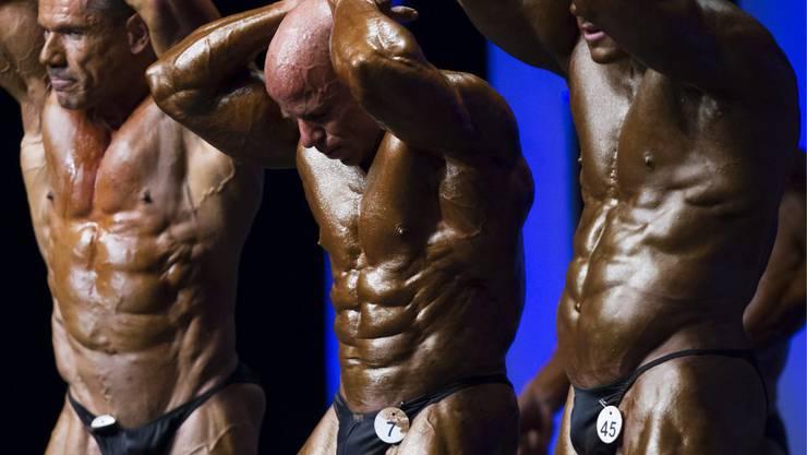 Bodybuilding Schweizermeisterschaften in Basel, von links: Gilbert Beautier, Philippe Favre, Lukas Wyler