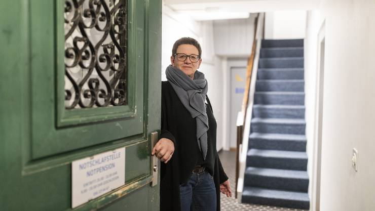 Hinter der grünen Tür in der Badener Altstadt wartet Susi Horvath. Hier bekommen Hilfsbedürftige ein warmes Bett, etwas zu essen und, wenn sie es wünschen, ein offenes Ohr.