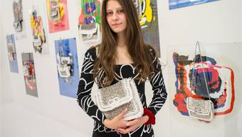 Die preisgekrönte Künstlerin Stella stellt zum ersten Mal an der Liste aus, der heute öffnenden Kunstmesse für junge Galerien und Kunstschaffende.